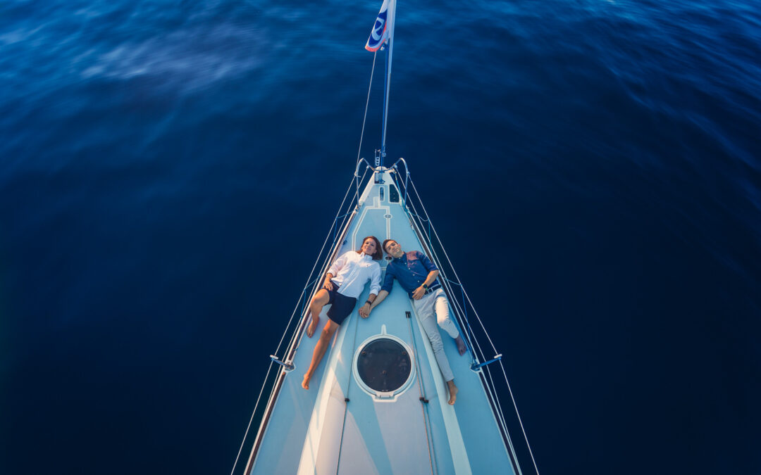 E+A – Fotografie di Coppia in Barca a Vela