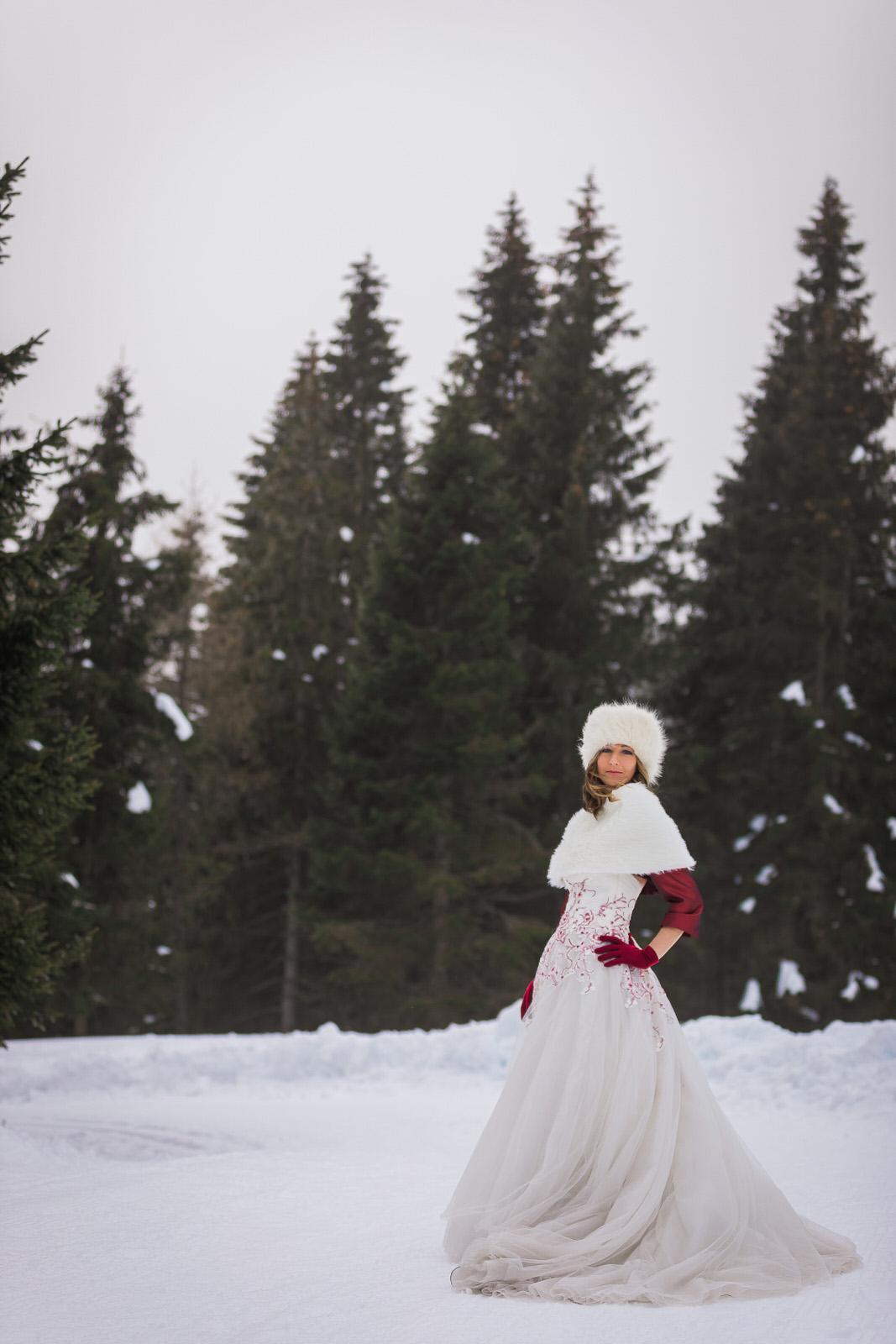 trash the dress sulla neve in montagna